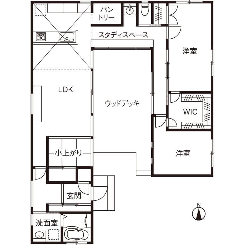 ログハウス風の平屋間取り②コの字型+中庭ウッドデッキで全室明るい、開放的